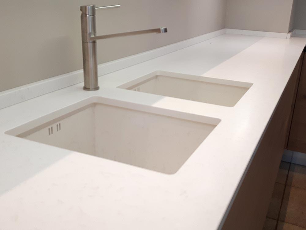 lavandino-integrato-bianco-dettaglio